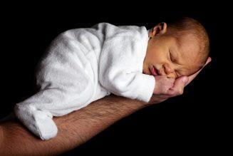 babies born without kneecaps